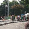 Ratusan Massa Kembali Terlibat Bentrok dengan Petugas Keamanan di Slipi