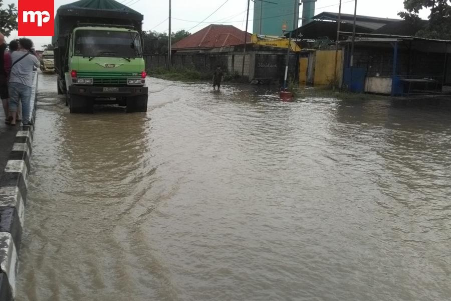 Jalur Pantura Banjir, Polisi Lakukan Contraflow