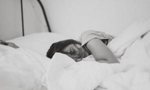 Viral! Seorang Perempuan Tidur Nyenyak Hingga Dua Bulan, Ini yang Terjadi Saat Terbangun