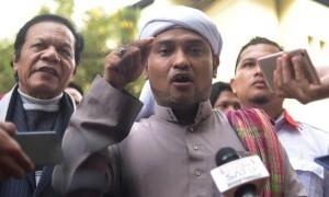 Datangi Undangan Penyidik, Habib Novel Irit Bicara