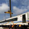 KAI Daop 8 Masih Evakuasi 7 Gerbong Anjlok di Stasiun Kota Lama