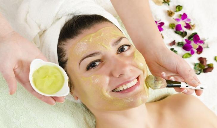Bahan-bahan Alami yang Cocok Digunakan untuk Masker Pada Wajah