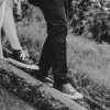 Tampil 'Edgy' dengan Memadukan Sneakers dan Gaun Pengantin
