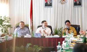 Menteri Paling Dekat Jokowi Layak Diganti