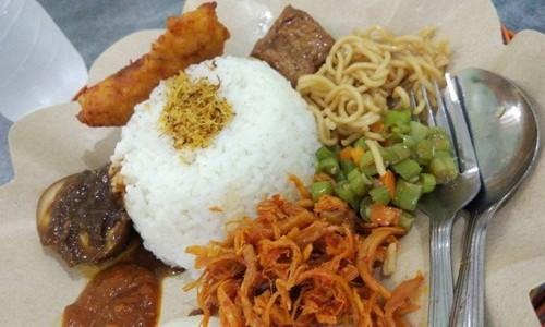 Nasi Kalak, Makanan Wajib Para Pelancong di Banyuwangi