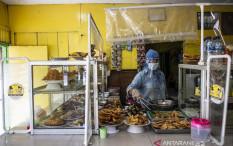 Pedagang dan Pembeli yang Makan di Warteg Wajib Sudah Divaksin