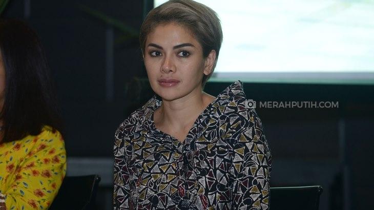 Nikita Mirzani Hanya Bisa Bahasa Indonesia
