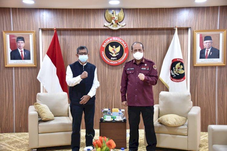 BNPT Salurkan Bansos untuk Korban dan Mantan Pelaku Terorisme