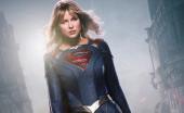 Supergirl Gantung Jubah di Season 6
