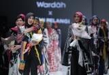 Dian Pelangi Luncurkan Batik Motif Arsiran di Jakarta Fashion Week 2018