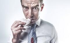 Selain Berbaring, Baiknya Kamu Hindari 5 Kebiasaan ini Setelah Makan