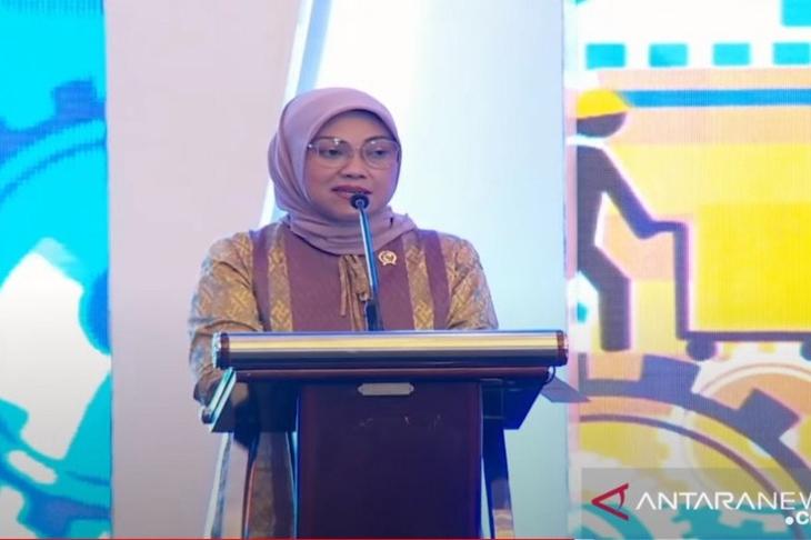 Tangkapan layar - Menaker Ida Fauziyah dalam acara peluncuran E-PP dan E-PKB dipantau secara virtual dari Jakarta pada Kamis (19/11/2020) (ANTARA/Prisca Triferna)