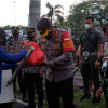 Penuhi Ramadan dengan Kebaikan, Polisi Berbuka Bersama Pemulung dan Tunawisma