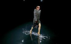 Balenciaga Tampil 'Beda' di Paris Fashion Week 2020