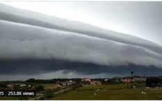 Viral Awan Tsunami Menggulung di Langit Aceh