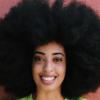 Perempuan Ini Pecahkan Rekor Afro Terbesar di Dunia