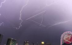 Jakarta Diguyur Hujan Sepanjang Hari
