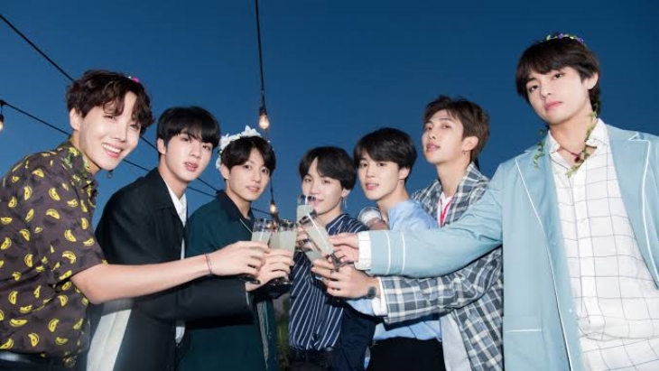 BTS (Foto: Naver x Dispatch)
