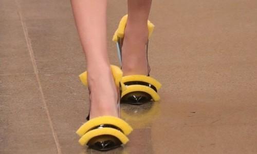 Heboh, Sepatu dari Spons Ini Berharga Belasan Juta Rupiah, Kok Bisa?