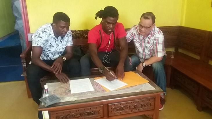 Sempat Berjalan Alot, Sriwijaya FC Akhirnya Resmi Perpanjang Kontrak Bio Paulin