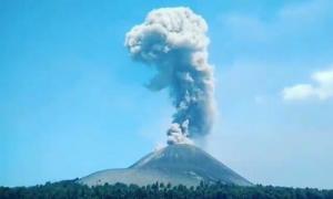 Dalam Tiga Hari Terakhir, Gunung Anak Krakatau Terus Bergetar