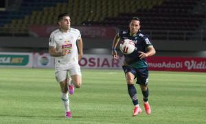 Bertemu Persija di Laga Final Piala Menpora, Pelatih Persib Bandung: Tidak Penting,