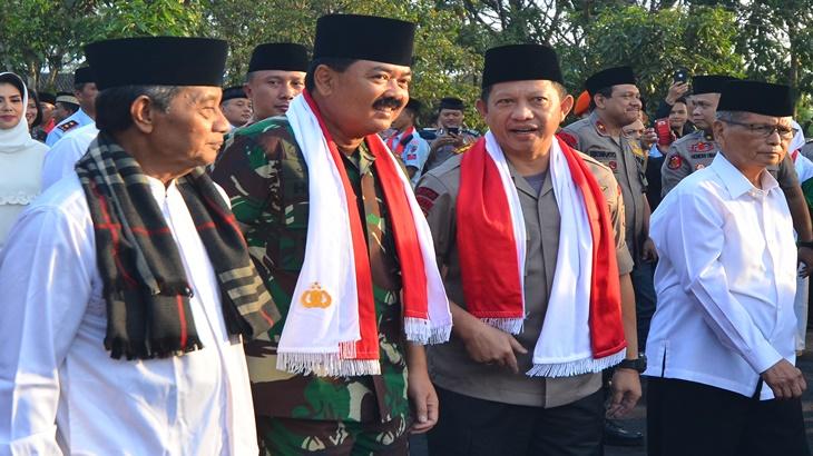 Panglima TNI dan Kapolri Perintahkan Kejar Perusahaan Pelaku Pembakaran Hutan