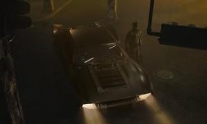 Matt Reeves Pamerkan Penampakan Batmobile di 'The Batman'