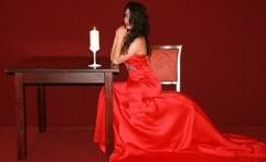 Dahsyatnya Pakaian Warna Merah, Enggak Bisa Ditolak
