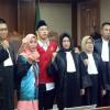 Demonstran Pembawa Bendera Merah Putih Dituntut Penjara Empat Bulan