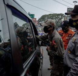 Penyekatan Mudik Jalan Raya Parung Bogor