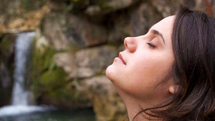 Teknik Pernapasan Ini Bisa Membuatmu Tidur dalam Hitungan 10 Menit