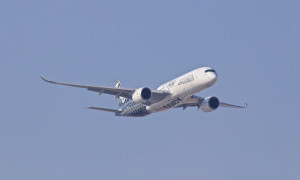 Jasa Pengiriman Barang Hadirkan Jalur Penerbangan Baru