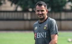 Simon McMenemy Tak Punya Lisensi UEFA Pro, Mengapa Bisa Latih Timnas Indonesia?