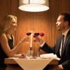 Makan Malam Romantis di Dalam Mobil Van