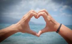 Sabar, Jatuh Cinta Butuh Waktu