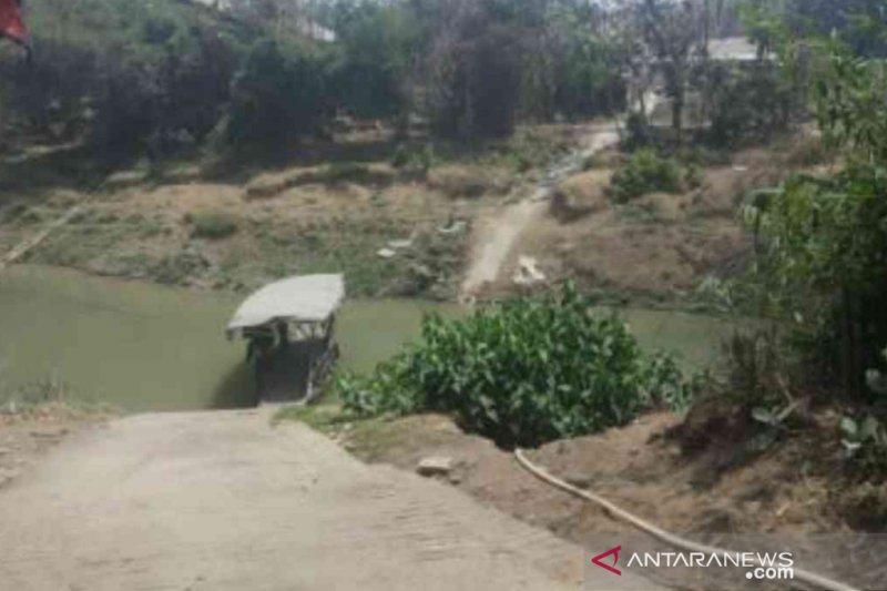 Titik lokasi pembangunan jembatan penghubung Kabupaten Bekasi-Kabupaten Karawang di Kecamatan Bojongmangu. (ANTARA/Pradita Kurniawan Syah).