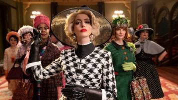 Merasa Bersalah di Film The Witches, Anne Hathaway Gaungkan Tagar #NotAWitch