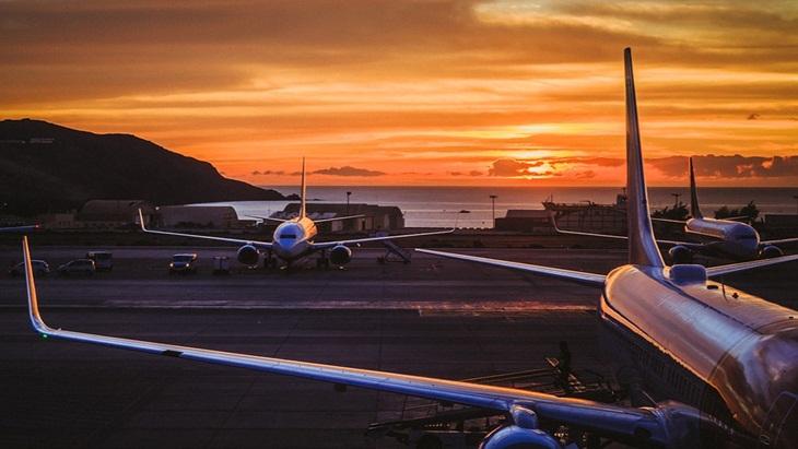 Tips Mudah Mengatasi Efek Jet Lag