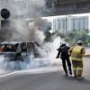 Mobil Hangus Terbakar di Tol Cawang, Begini Nasib Pengemudinya