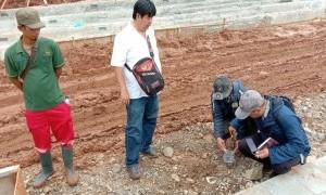 Tim Komrah Medan Merdeka Temukan Kerusakan Batu Alam Akibat Pengaspalan di Monas