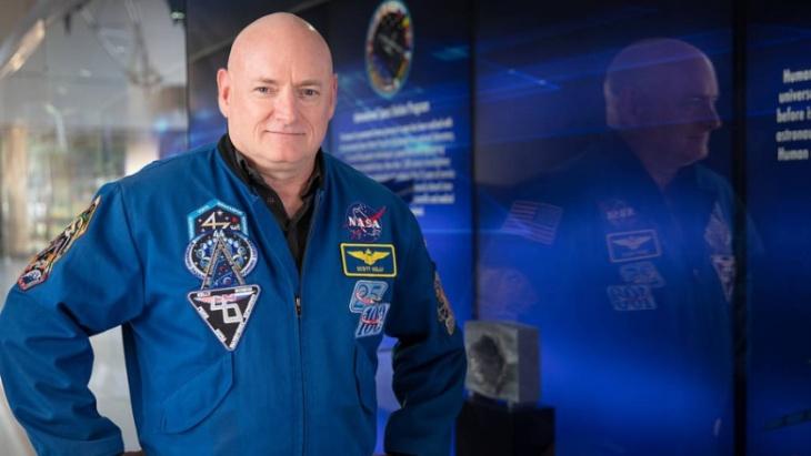 Mantan Astronaut NASA Ceritakan Pengalaman Tidur di Angkasa Luar