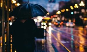 Jangan Hujan-Hujanan, Nanti Sakit!