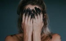 Stop Menyentuh Wajah Menggunakan Tangan!