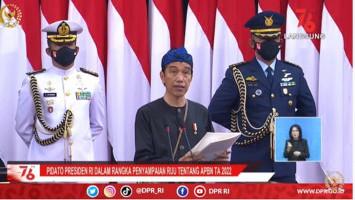 Kejar Target Investasi Rp 900 Triliun, Jokowi Sesumbar Izin Usaha Tak Akan Ribet