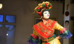 Peserta Seniman Asing Tampil dalam International Mask Festival 2021