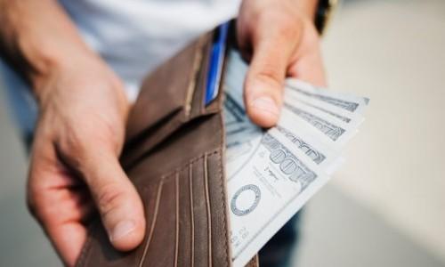 Apa Harus Selalu Pria yang Membayar Segala Kebutuhan?
