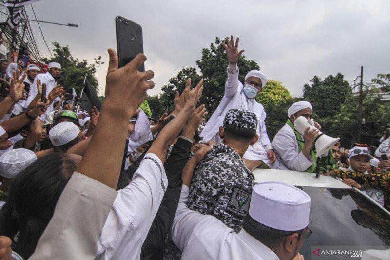 Polisi Tetapkan Rizieq Tersangka Kerumunan Megamendung