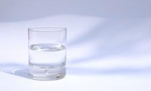 Kebanyakan Minum Air Putih Sebabkan Kematian, Kenali Tanda-Tandanya!