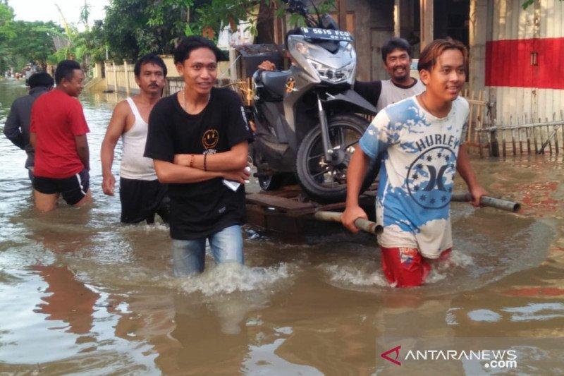Antisipasi Jadi Klaster COVID-19, Pengungsi Banjir Bekasi Bakal Dites Swab